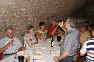 2. Weinprobe im Gewölbekeller 1 (DSC01270)