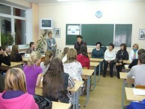 Raissa schwärmt in Schule 20 (P1320486)