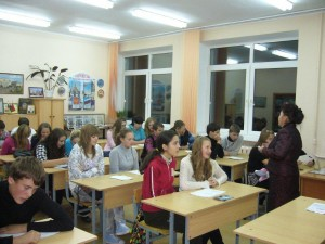 Raissa schwärmt in Schule 20 (P1320491)
